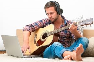 The Best Way To Learn How to Play Guitar