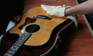 Some tips to take care your guitar professionally