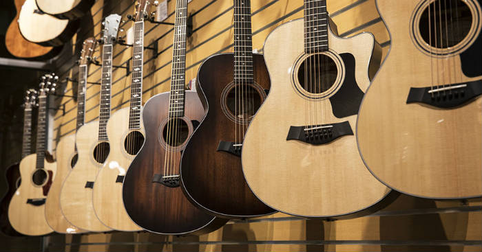 The full review of 3 acoustic guitars
